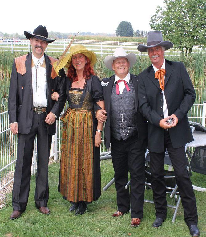 Drei Cowboys und eine Lady v.l.n.r. André Schulz, Annette Engelhardt, Dirk Klingenberg, Andre Engelhardt