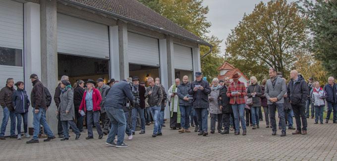 Volles Haus zur Tiersegnmung und eröffnung des Eseldorfes auf der Gut Aiderbichl BALLERMANN RANCH