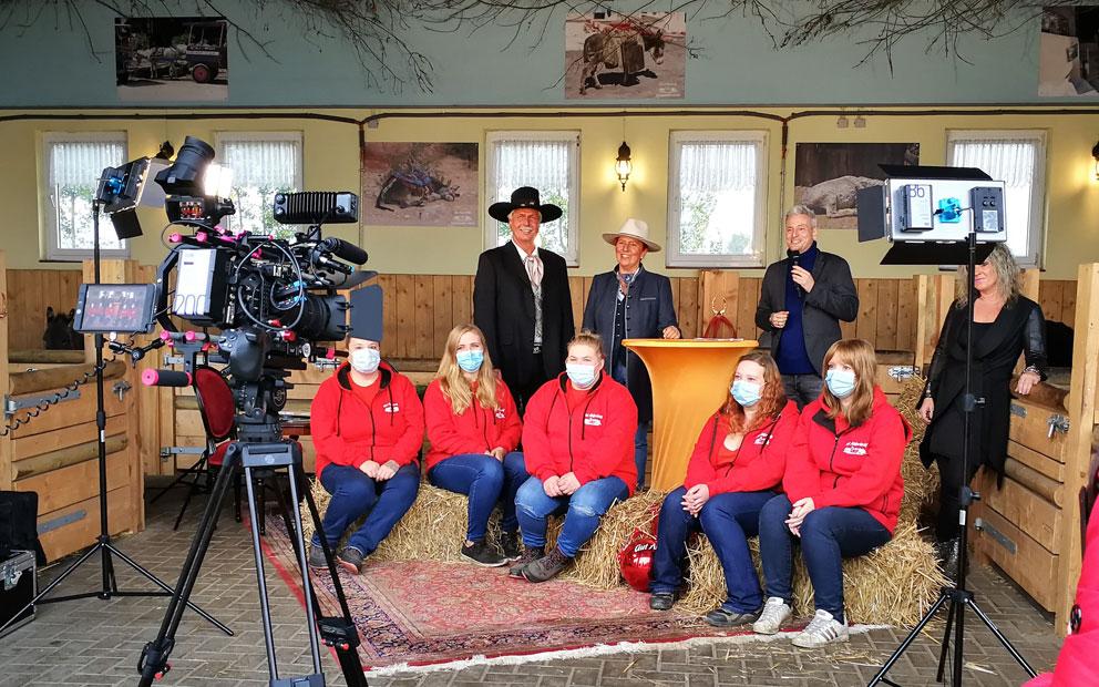 Gut Aiderbichl Ballermann Ranch Als Drehort Für TV-Wintershow